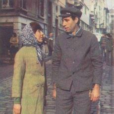 Kemal Sunal Filmlerindeki Emir-Komuta Zinciri, İş Hayatının Bir Simülasyonu mu?