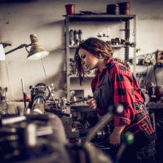 Kadınların Bilime Erkekler Kadar İlgi Duymadığı Yanılgısının Altında Yatan Sebepler