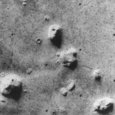 Neden Bulutları Çeşitli Cisimlere veya Hayvanlara Benzetip, Mars Üzerinde Yüze Benzer Şeyler Görüyoruz?