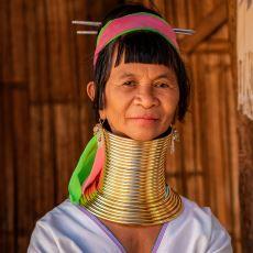 Boyunlarına Kiloluk Halkalar Geçiren Kadınlarıyla Meşhur Padaung Kabilesi