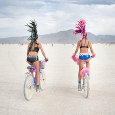 Ölmeden Önce Mutlaka Deneyimlenmesi Gereken Burning Man'e Dair Bilmeniz Gerekenler