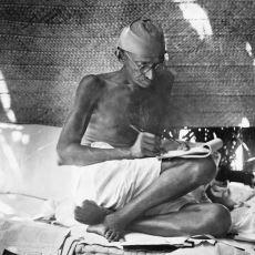 Gandi'nin, Nazi Partisinin Gittikçe Yükseldiği Yıllarda Hitler'e Yazdığı Mektuplar