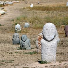 Eski Türklerin, Birçoğu Günümüze de Miras Kalan Ölü Gömme Adetleri