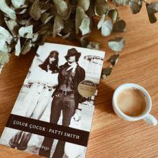 Patti Smith'in Aşk, Rock ve Sanat ile Dolu Olan Mükemmel Kitabı: Çoluk Çocuk