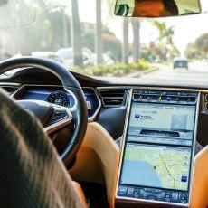 Bir Sürücünün Gözünden Tesla'nın Çok Konuşulan Otopilot Özelliği