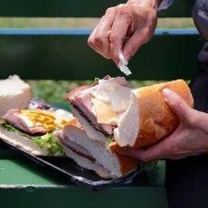 Nasıl Akla Geldiği Çözülemeyen En Fantastik Ekmek Arası İcatları
