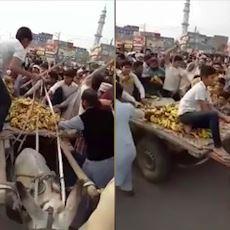 Muz Satan Çocuğun Yağmalanması Videosunun Arkasındaki Pakistan Siyasi Gündemi
