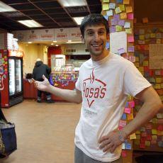Wall Street'teki İşini Bırakarak Pizza Dükkanı Açan Adamın Takdire Şayan Yardımları