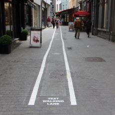 Belçika'dan Telefon Bağımlıları İçin Ayrı Yürüme Şeridi