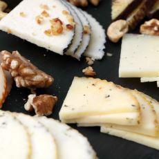 Hazırlanışındaki İnce Detaylarla Atıştırmalıktan Sanata Terfi Eden Lezzet: Peynir Tabağı