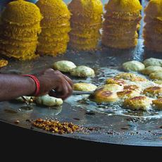 Yemeden Önce Birkaç Kez Düşünmeniz Gereken Hindistan Sokaklarında Satılan Yemekler