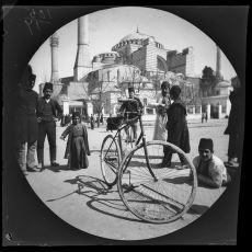 1891 Yılında Bisikletle Dünya Turu Yapan İki Kafadarın Çektiği Enfes Fotoğraflar