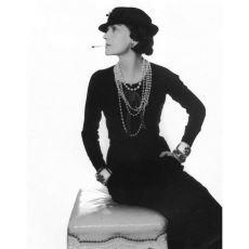 Hemen Her Kadının Gardırobunda Bulunan Küçük Siyah Elbiselerin Tarihi