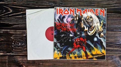 Heavy Metal Tarihinin En İkonik Albümlerinden The Number of the Beast'in İncelemesi