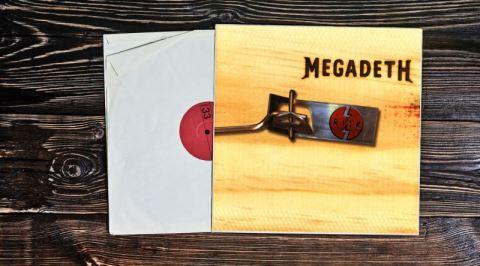 Megadeth'in Kariyerini Zamanında Epey Baltalayan Risk Albümünün İncelemesi