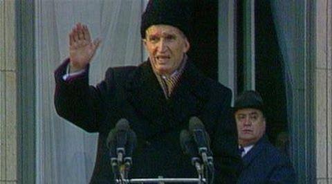 Bir Devrin Kapanışını Aniden Başlatan Olay: Çavuşesku'nun Son Mitingi