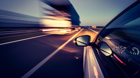 Gözden Kaçan Önemli Detay: Trafikte Araç Kullanırken Hızın Yanıltıcılığı