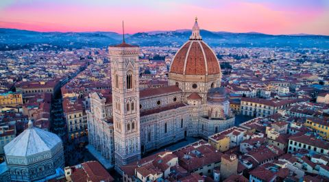 Amatör Bir Mimarın El Atmasıyla Bitirilebilen Floransa Katedralinin 140 Yıllık İnşa Hikayesi