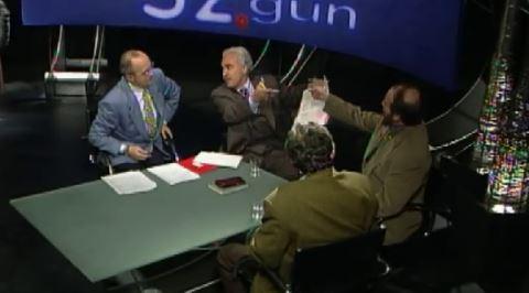 """Doğu Perinçek, Ertuğrul Kürkçü'ye Neden """"Sen Abdülhamit'i Savundun"""" Dedi?"""