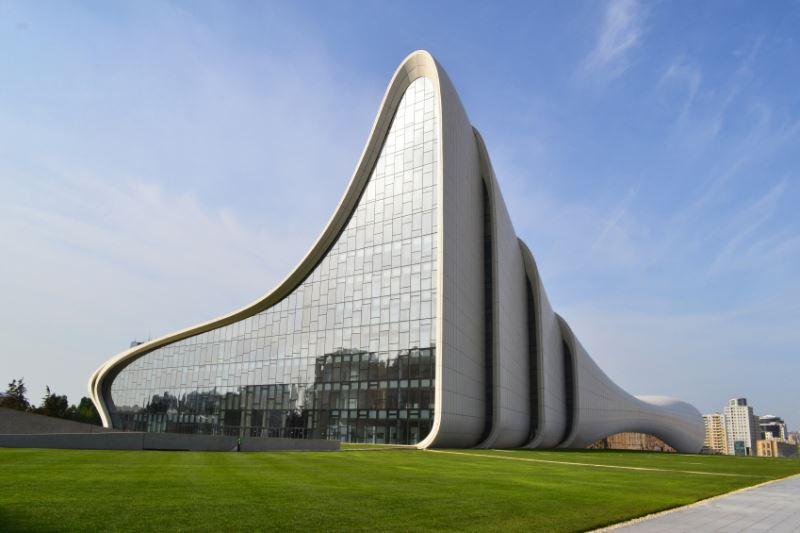 Haydar Aliyev Kültür Merkezi, Bakü - iStock.com