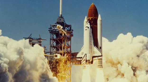 Fırlatılmasından Kısa Bir Süre Sonra Tüm İnsanların Gözü Önünde Parçalanan Uzay Mekiği Challenger - Ekşi Şeyler