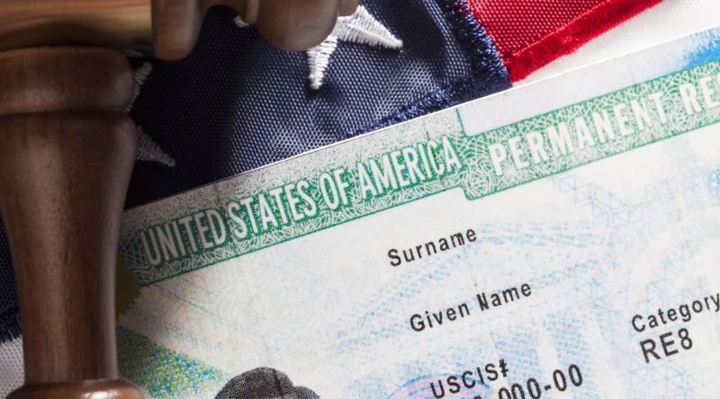 Green Card Kazandıktan Sonra ABD'ye Ne Kadar Parayla Gidilmeli?