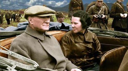 Atatürk ve Sabiha Gökçen'in Ankara'da Fransız Elçiye Mesaj Vermek İçin Yaptığı Müthiş Plan